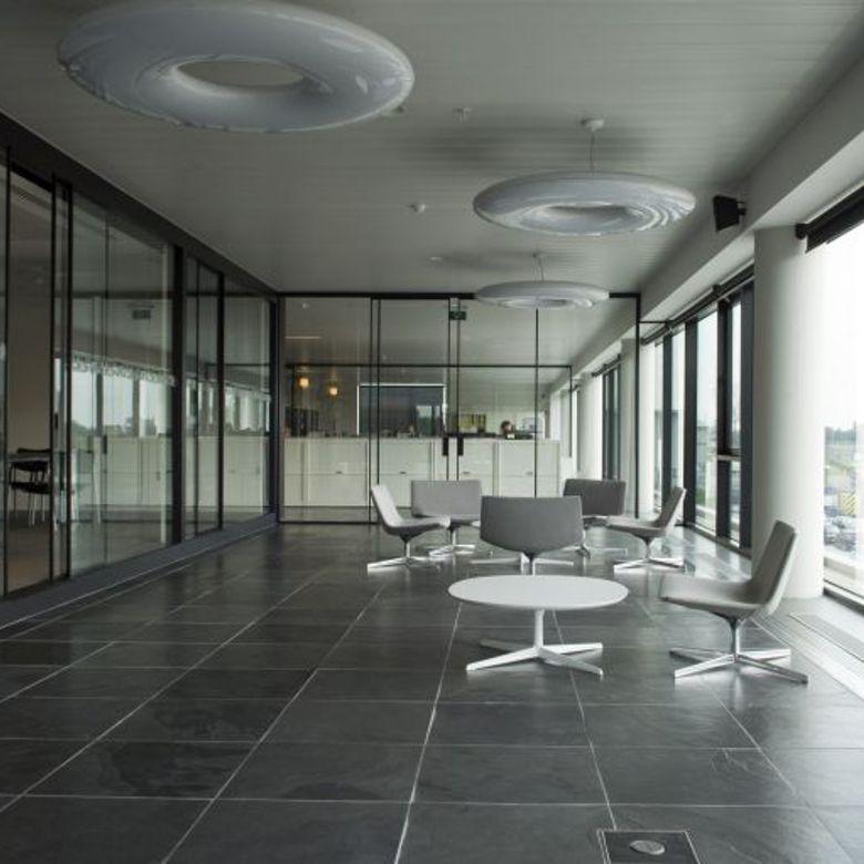 ardezie-nera-brazilia-interior-780X780
