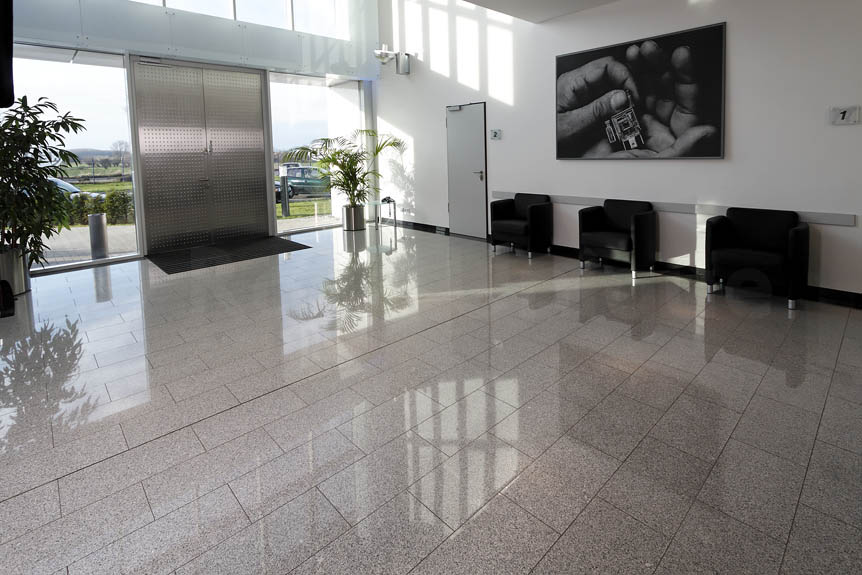 granit-silver-grey-interior-1