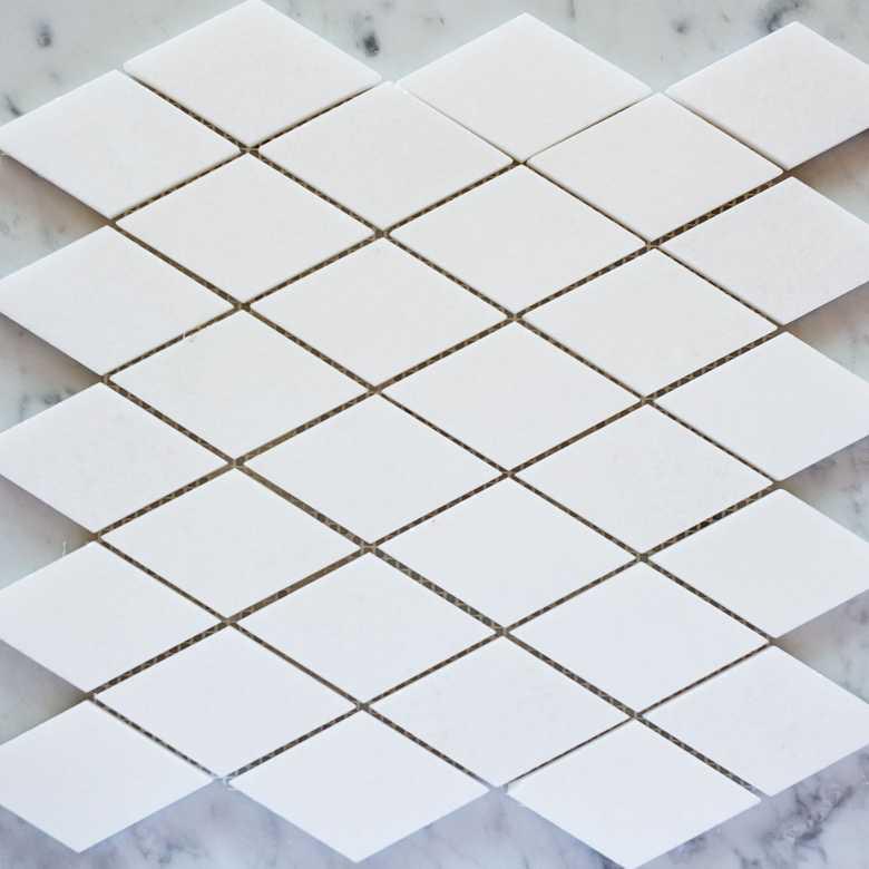 mozaic-thassos-diamond-780x780
