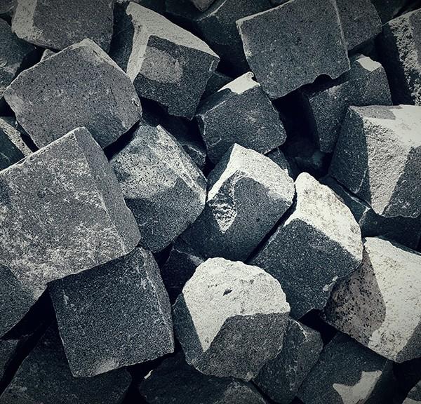 piatra-cubica-andezit-exterior-3