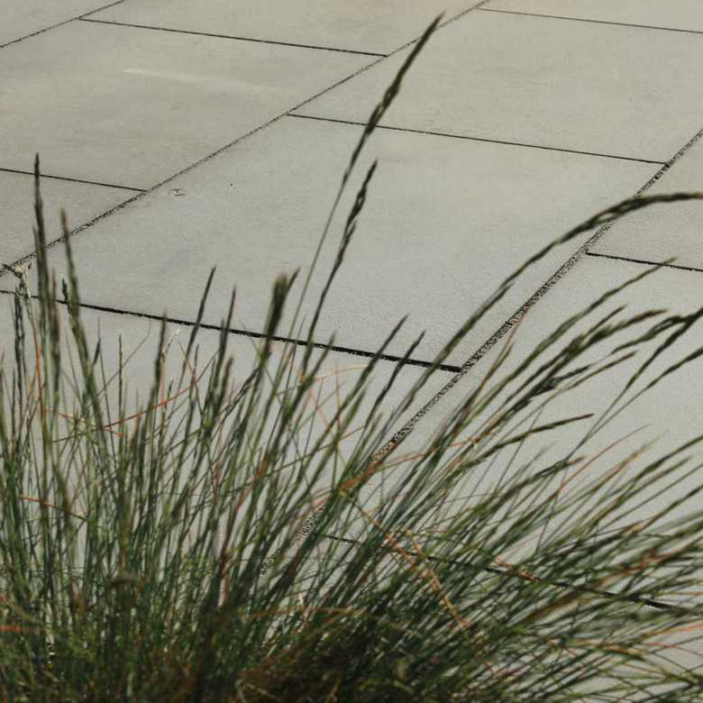 sandstone-contemporary-grey-exterior-780x780