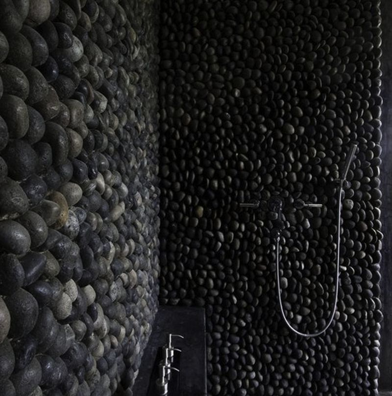 panel-black-pebbles-2